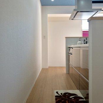 反対側からも見てみましょう。※写真はモデルルーム、2階同間取り別部屋のものです
