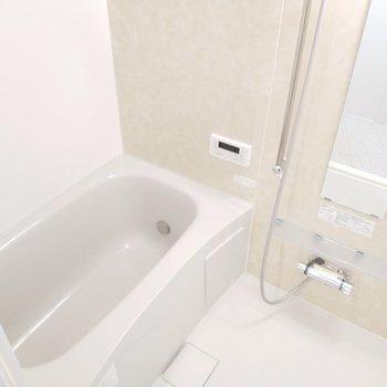 浴槽もきれいで毎日浸かりたいなぁ