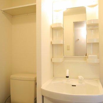 もちろん洗面台も!※写真は6階のお部屋のものです