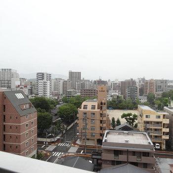 街なかビューでした(※写真は9階のお部屋からの眺望です)