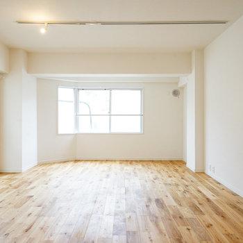 【イメージ】海外サイズの家具をどーんと置きたくなっちゃいますね。