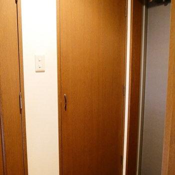 ここを開くと。 ※クリーニング前の写真です。※写真は6階の同間取り別部屋のものです。