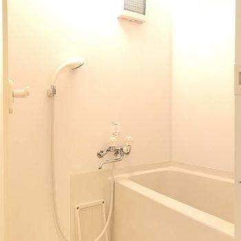 バスルームは少しコンパクト