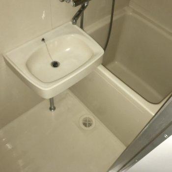 お風呂は最小限に。シャワー派なら問題ないかな?