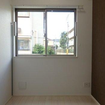 大きな窓が嬉しいです※1階反転間取り別部屋の写真