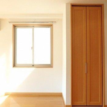 玄関から真っ直ぐ見るとこんな感じ※写真は同間取りの3階のお部屋
