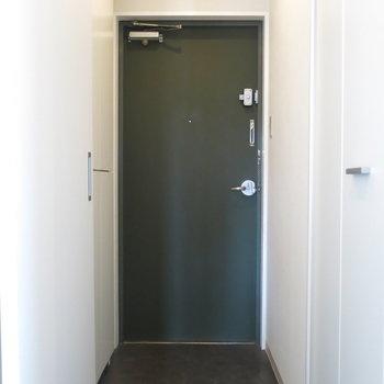玄関はこんな感じ◎