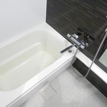 清潔感のある浴室!