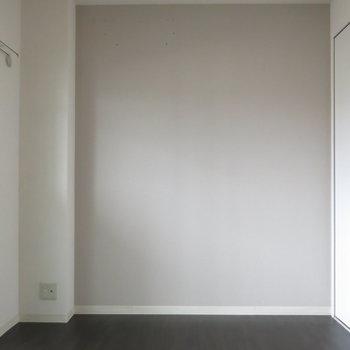 洋室:寝室は落ちつきのあるクロスが◎