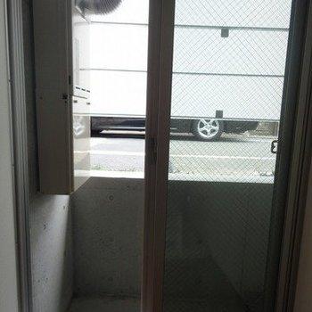 今回のお部屋は3階です!※1階別部屋同間取りの写真です。