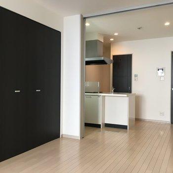 シンプルな雰囲気のお部屋でした(※写真は5階の同間取り別部屋のものです)