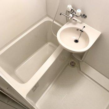 お風呂はシンプルに。1人暮らしにはちょうどいい!