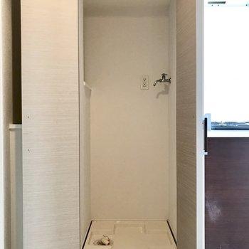 室内洗濯機置き場は、隠し扉つきです。
