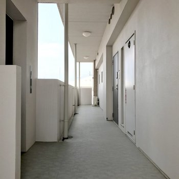 共用廊下と言えど最上階は1部屋のみです。