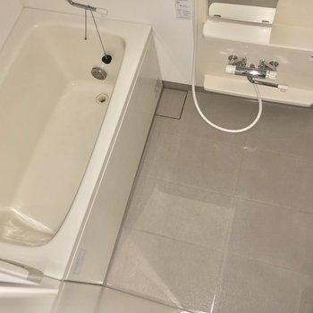 追焚機能も付いているのでゆっくりとお風呂をたのしめます。※写真はフラッシュを使用しています
