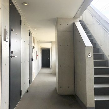 4階の共用部です!
