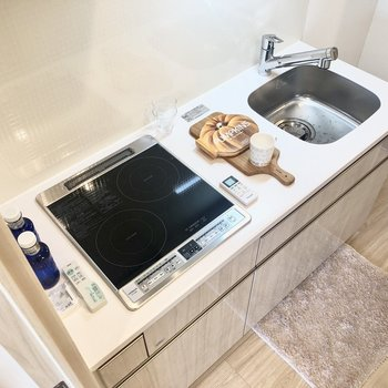 IH2口ですよ。掃除が楽々♩※写真はモデルルーム・6階の同間取り別部屋のものです