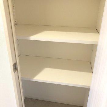 物入れは普段使わないものをしまいましょう。※写真はモデルルーム・6階の同間取り別部屋のものです