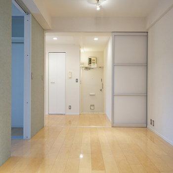キッチンとは半透明の引戸で仕切れます!※写真は前回募集時のものです。