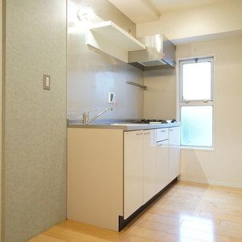 キッチンスペースもゆったりめ。※写真は前回募集時のものです。