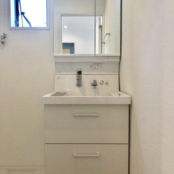 使い勝手が良さそうな洗面台。※写真は前回募集時のものです