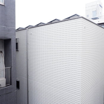 眺望は建物が。