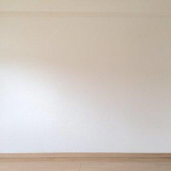 白×ナチュラルカラーの優しい空間。