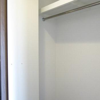 クローゼットは廊下側に。