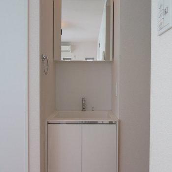 洗面台もシンプルに!
