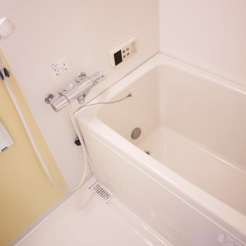 浴室も交換されていてきれい!