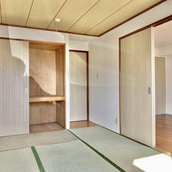 【和室】引き戸を開けると開放感がありますね。