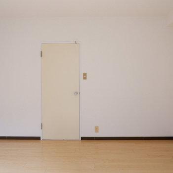 【6.3帖洋室】シンプルで使いやすい洋室ですね。※写真は前回募集時のものです