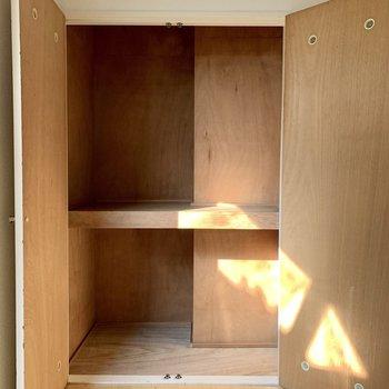 【洋室6.3帖】収納ボックスを活用すると、スッキリしまえそう