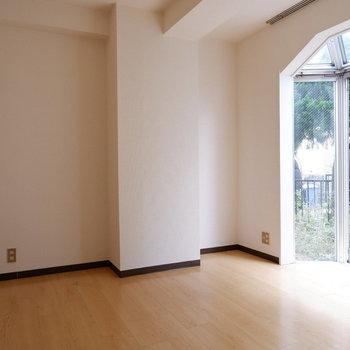 【6.3帖洋室】寝室にも十分なり得る。※写真は前回募集時のものです
