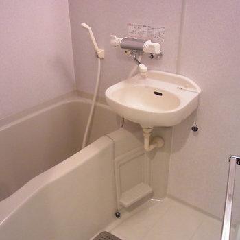 2点ユニット。まとめてお掃除できる〜。※写真は6階の似た間取りのお部屋
