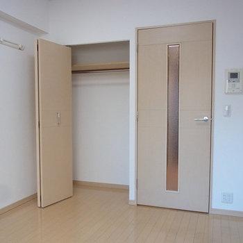 シンプルイズベスト!※写真は6階の似た間取りのお部屋