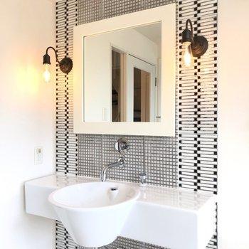 【2F】洗面台がカッコイイ…朝の支度も一層楽しくなりそう!