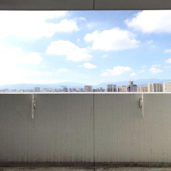 【2F】休日は青空を見ながら、ゆっくり入浴楽しみたい。