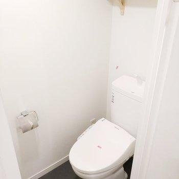 トイレは個室で嬉しいな!