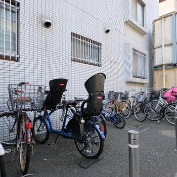 自転車置き場もあったり