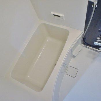 お風呂は追い炊き機能+浴室乾燥