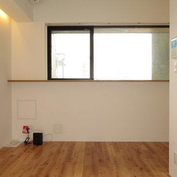 窓がやっぱり長いです※写真は同間取り別部屋のものです。