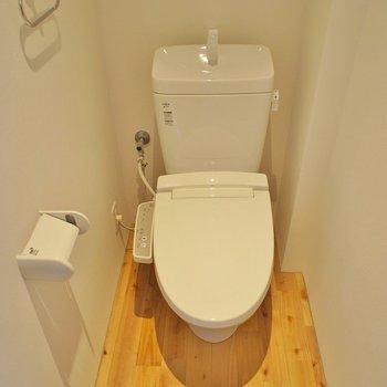 広々したお手洗い※写真は反転間取り別部屋のものです。