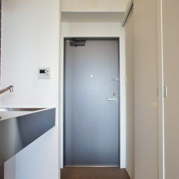 お洒落な室内にテンション上がっちゃいます※写真は反転間取り別部屋のものです。