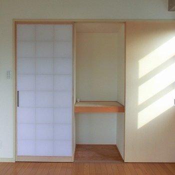 障子を開けると押入れ収納※写真は反転間取り別部屋のものです。