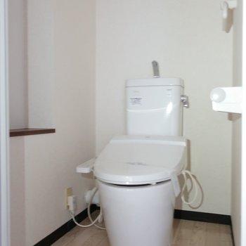 トイレはしっかりウォシュレット付き。※写真は通電前です。