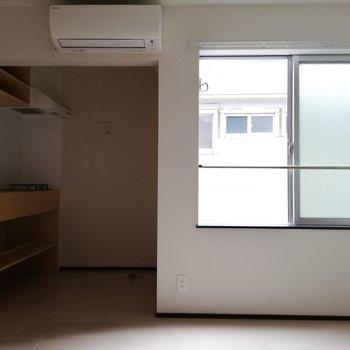 奥にキッチンがあります※写真は通電前のものです