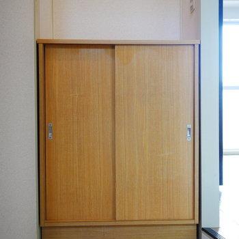 シューズクローゼットが扉の正面にあります