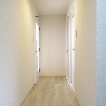廊下から分かるいいお部屋な雰囲気