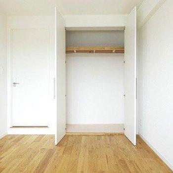 【イメージ】新しくクローゼットも白い扉のものに!